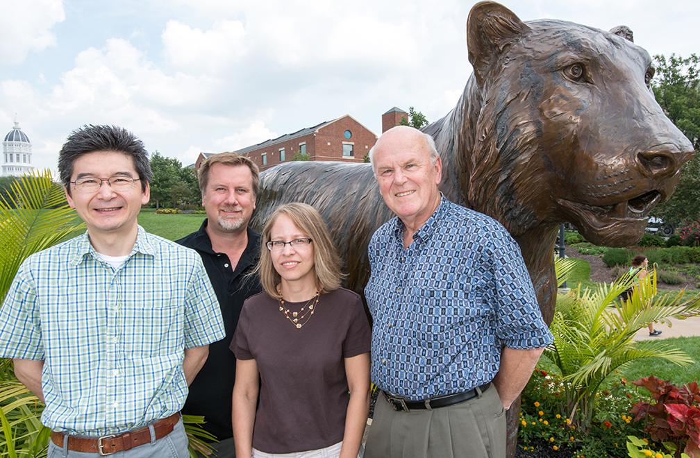 Toshihiko Ezashi, Danny Schust, Laura Schulz and Michael Roberts collaborate on new research to discover the causes of preeclampsia.